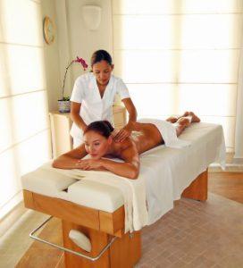 que es la Aromaterapia holística
